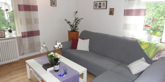 Helle Wohnung mit Balkon in ruhiger und zentraler Wohnlage