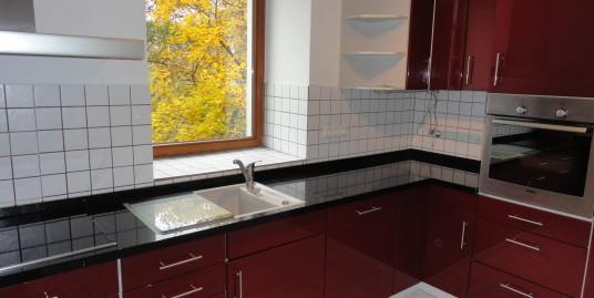Interessante ETW mit moderner Einbauküche (inkl.) und Garten